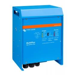 Convertisseur/chargeur Victron Energy MultiPlus 24/3000/70-50 de trois quart gauche sur fond blanc