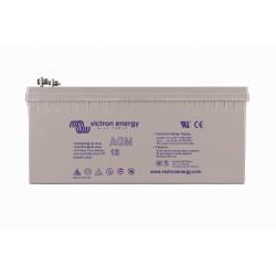 Batterie AGM Victron Energy - 12V/240Ah AGM Deep Cycle (insert M8) de face sur fond blanc